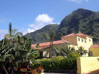 Hotels in los silos tenerife Casa amarilla santiago